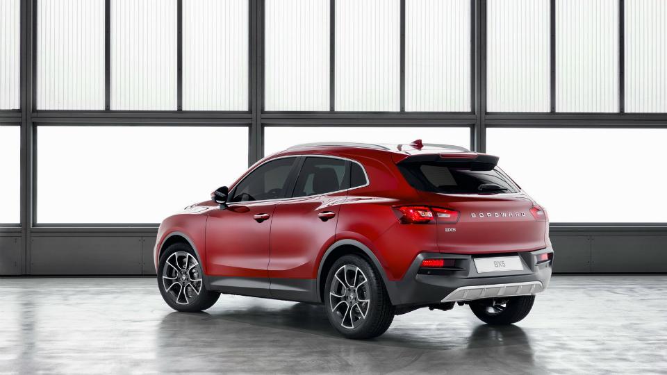 Немецко-китайская компания показала на автосалоне модели BX5 и BX6 . Фото 2