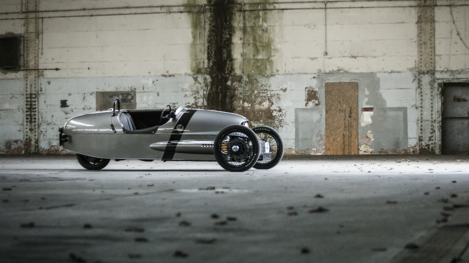 Спорткар 3 Wheeler EV3 проедет без подзарядки 240 километров. Фото 1