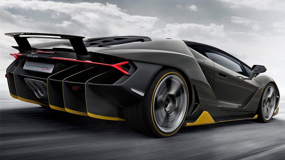 Компания посвятила своему основателю 770-сильный суперкар