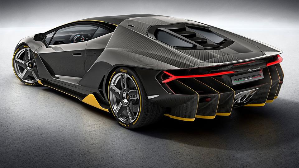 Компания посвятила своему основателю 770-сильный суперкар. Фото 2