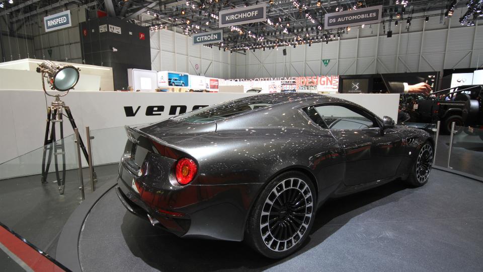 Тюнеры добавили Aston Martin DB9 колеса в виде рулетки. Фото 3