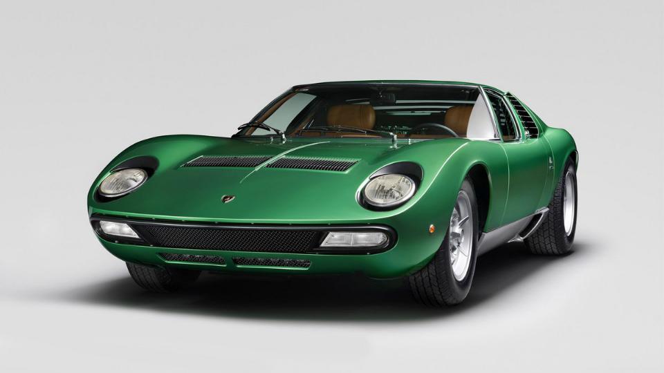 Компания Lamborghini отреставрировала первый экземпляр Miura SV