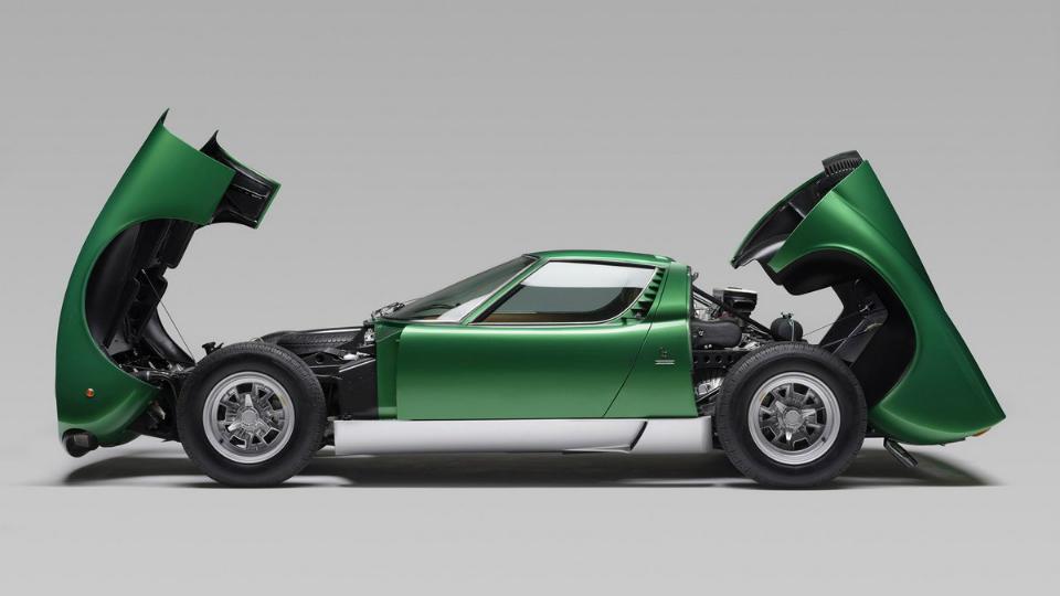 Итальянцы полностью восстановили спорткар 45-летней давности. Фото 1