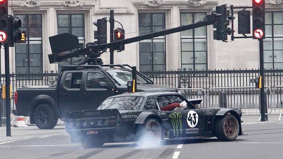 Съемки нового Top Gear сравнили с «трюками на кладбище»