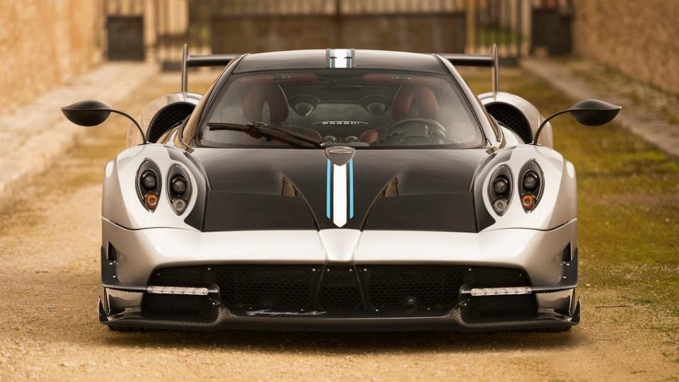В Pagani назвали дату дебюта открытого суперкара Huayra