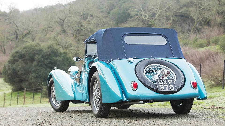 Спорткар стал самым дорогостоящим классическим Bugatti