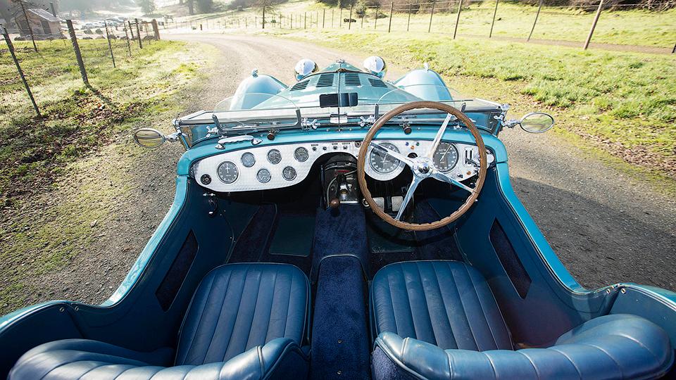 Спорткар стал самым дорогостоящим классическим Bugatti . Фото 1