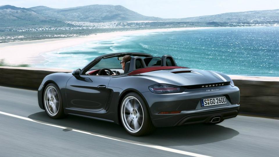 Porsche подарит всем своим работникам по 9 тысяч евро
