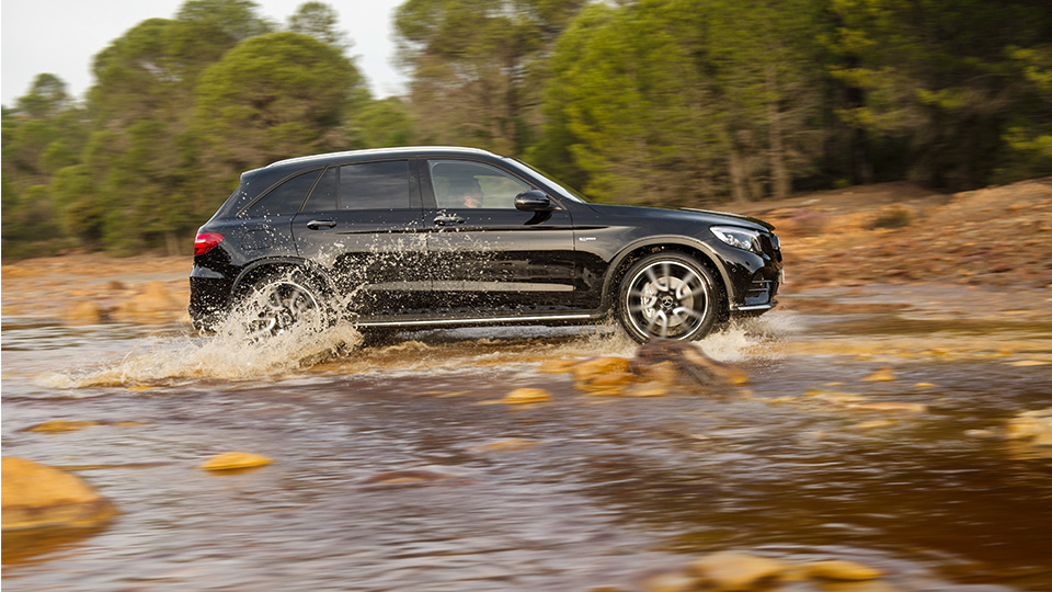 В Нью-Йорке дебютирует Mercedes-AMG GLC 43 4Matic. Фото 3