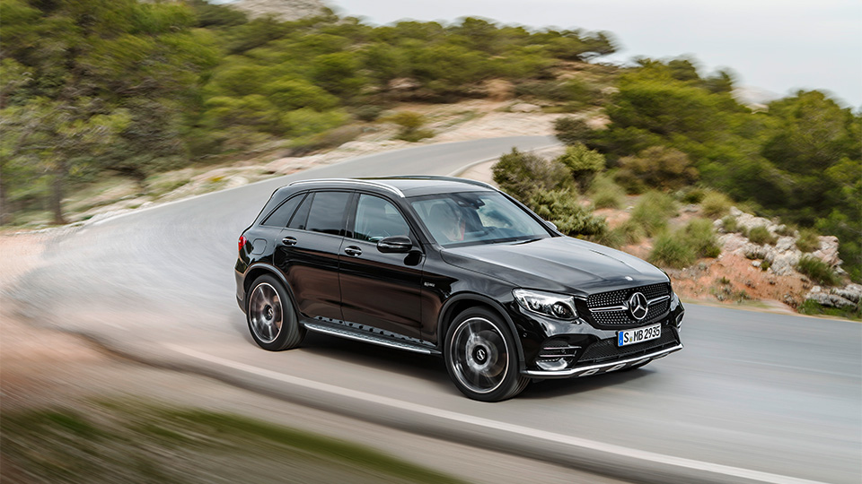 В Нью-Йорке дебютирует Mercedes-AMG GLC 43 4Matic. Фото 1