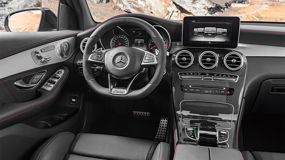 В Нью-Йорке дебютирует Mercedes-AMG GLC 43 4Matic. Фото 2