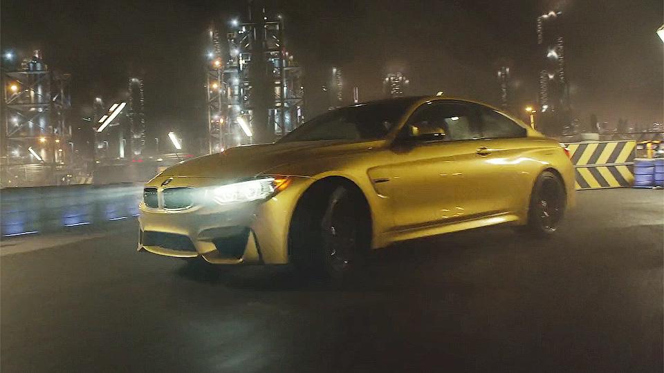 BMW M4 отправили в дрифт по заводу