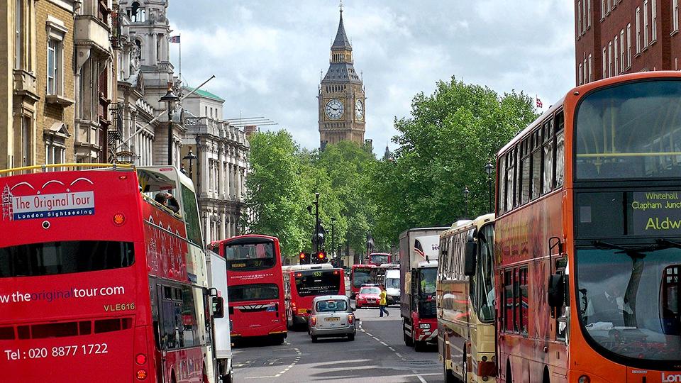 Названы европейские города с самыми загруженными дорогами