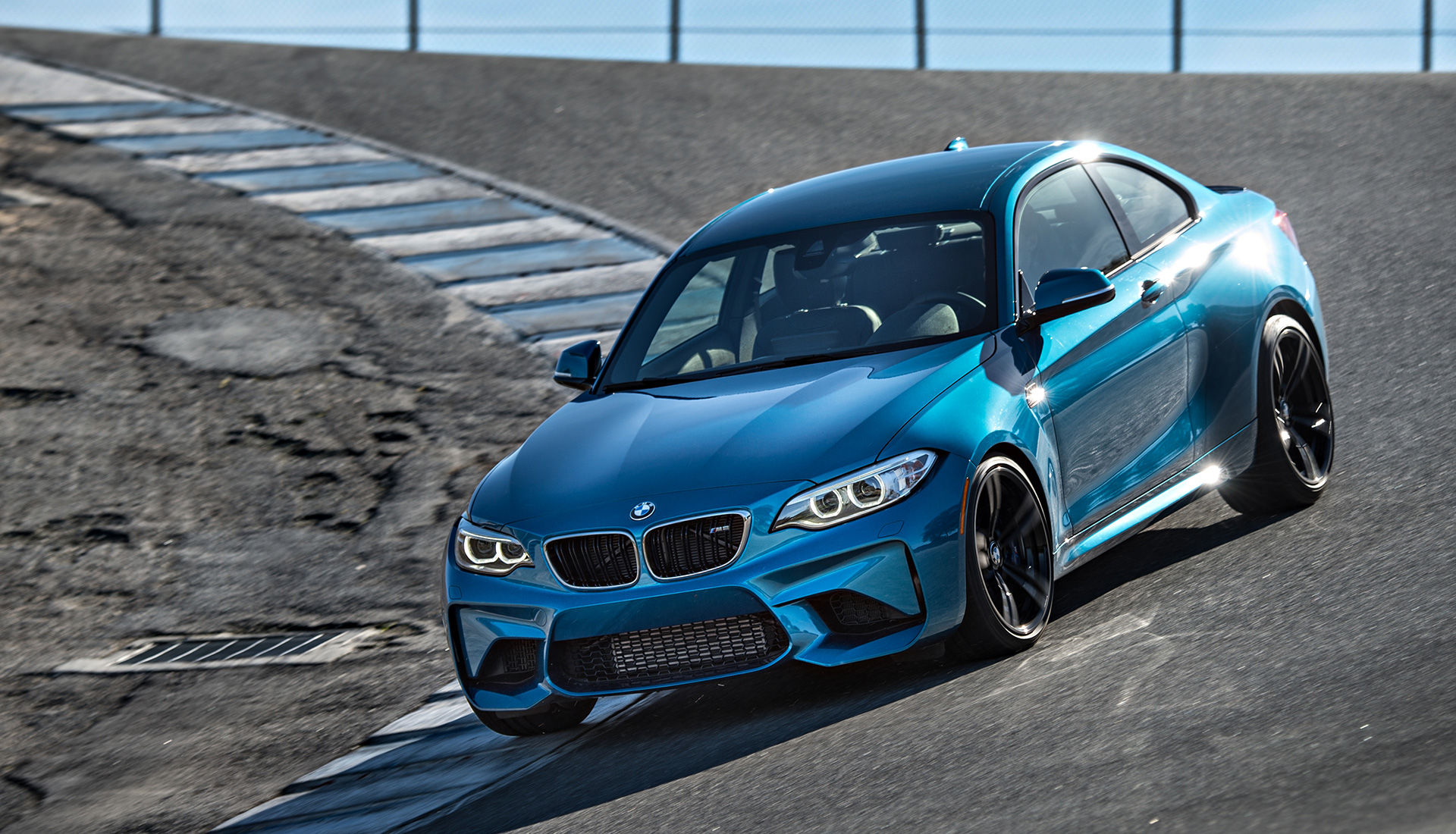 Что получится, если взять BMW M4 и отсечь все лишнее? Лучшая «эмка» десятилетия — BMW М2. Фото 8