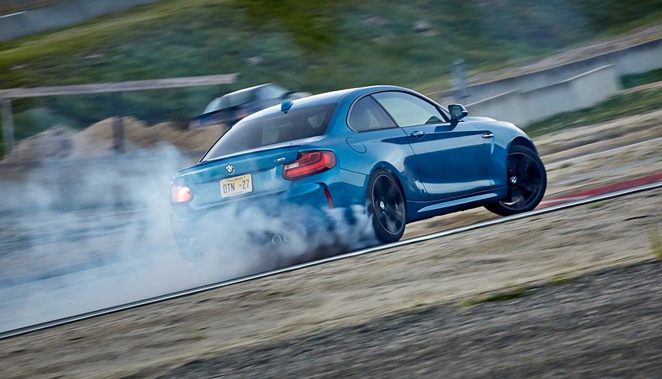 Что получится, если взять BMW M4 и отсечь все лишнее? Лучшая «эмка» десятилетия — BMW М2. Фото 11