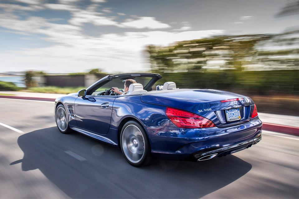 Мы прокатились на всех модификациях нового Mercedes SL. Фото 5