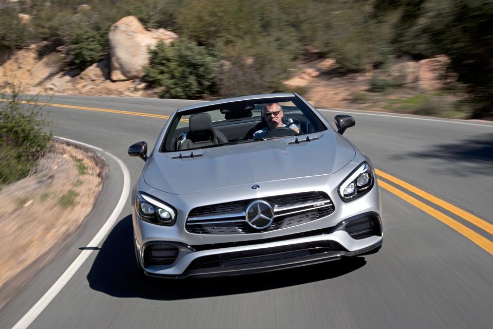 Мы прокатились на всех модификациях нового Mercedes SL. Фото 6