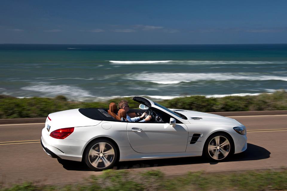 Мы прокатились на всех модификациях нового Mercedes SL. Фото 7