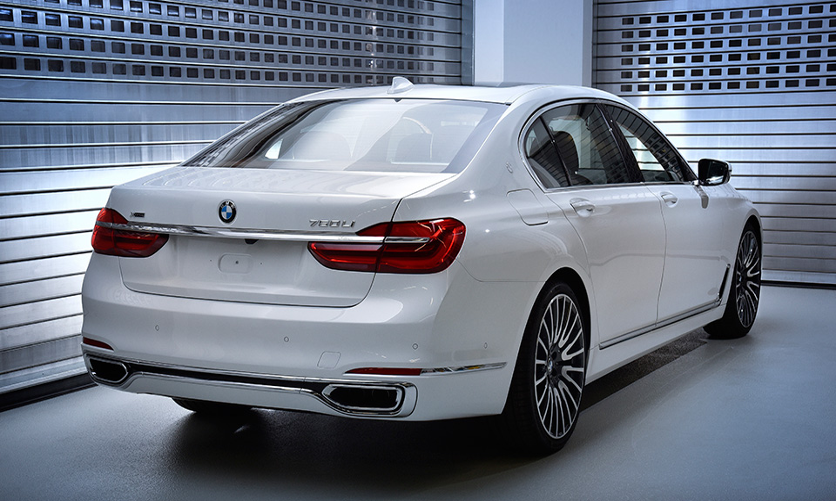 Над 7-Series поработали специалисты BMW Individual Manufactory . Фото 3