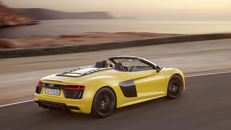 Audi R8 лишили крыши