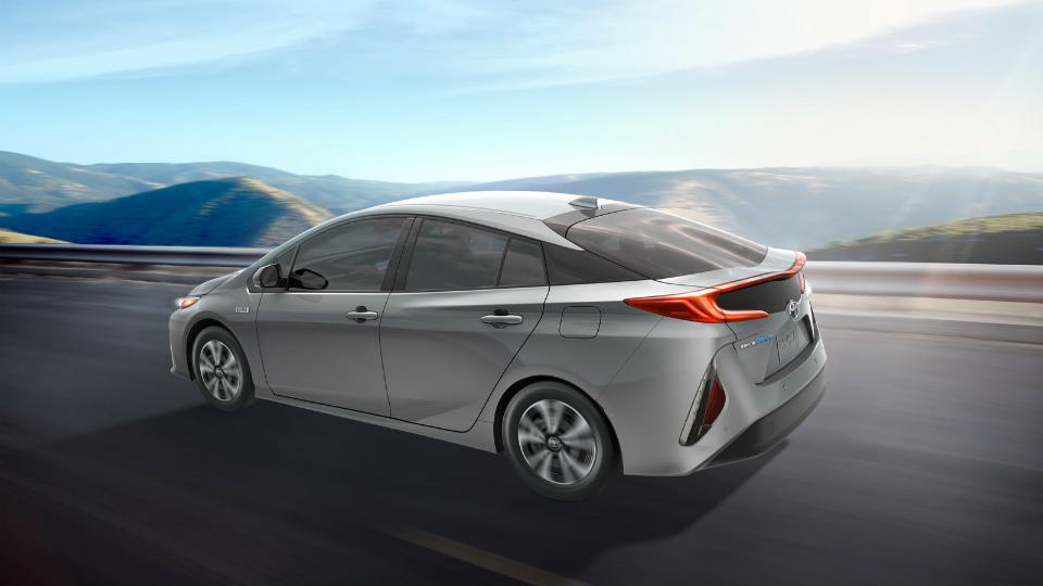 Toyota Prius Prime будет тратить 1,4 литра бензина на сто километров