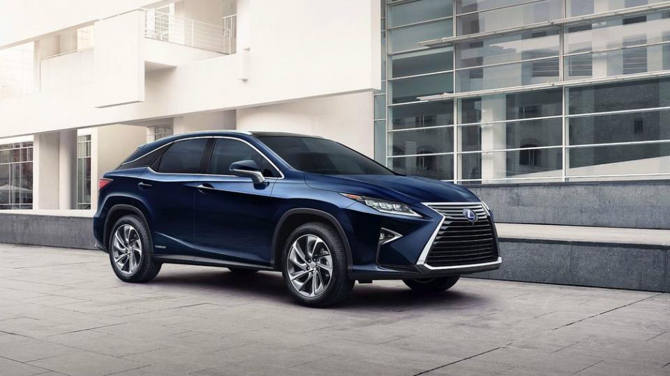 Lexus подтвердил выпуск семиместного кроссовера RX