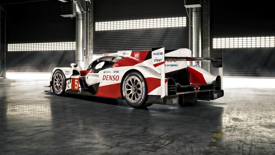 Спортпрототип Toyota TS050 Hybrid получил 2,4-литровый твин-турбо V6. Фото 1