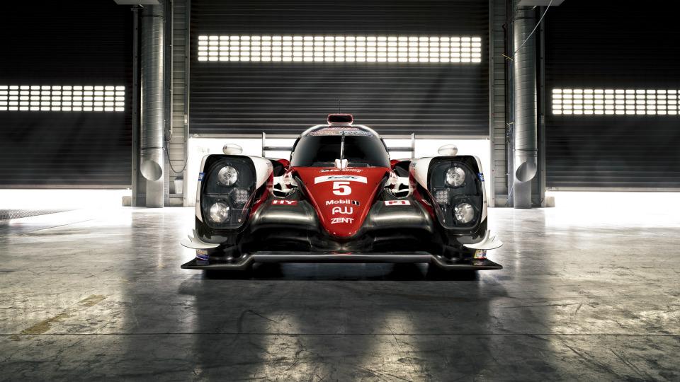 Спортпрототип Toyota TS050 Hybrid получил 2,4-литровый твин-турбо V6. Фото 2