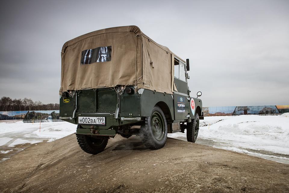 Не прощаемся с бессмертным Land Rover Defender  . Фото 3