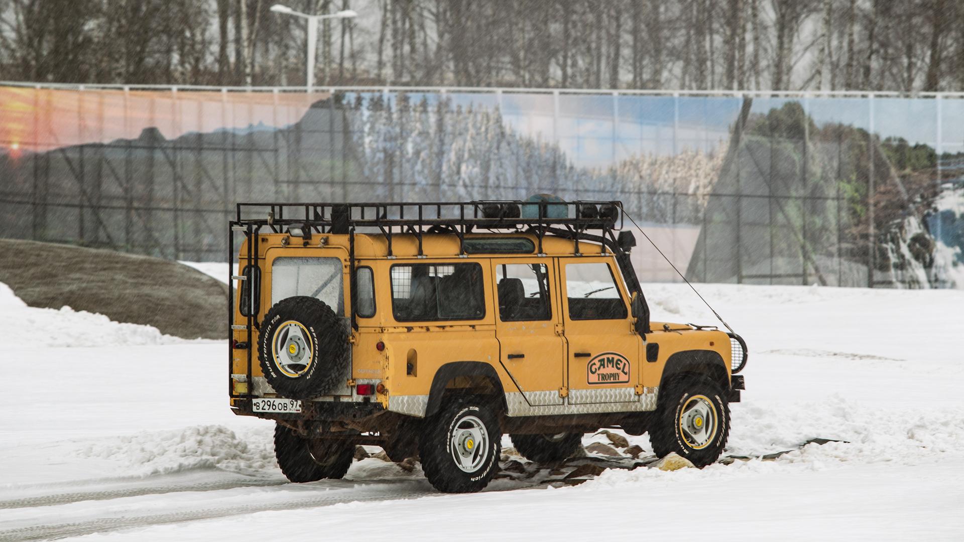 Не прощаемся с бессмертным Land Rover Defender  . Фото 5
