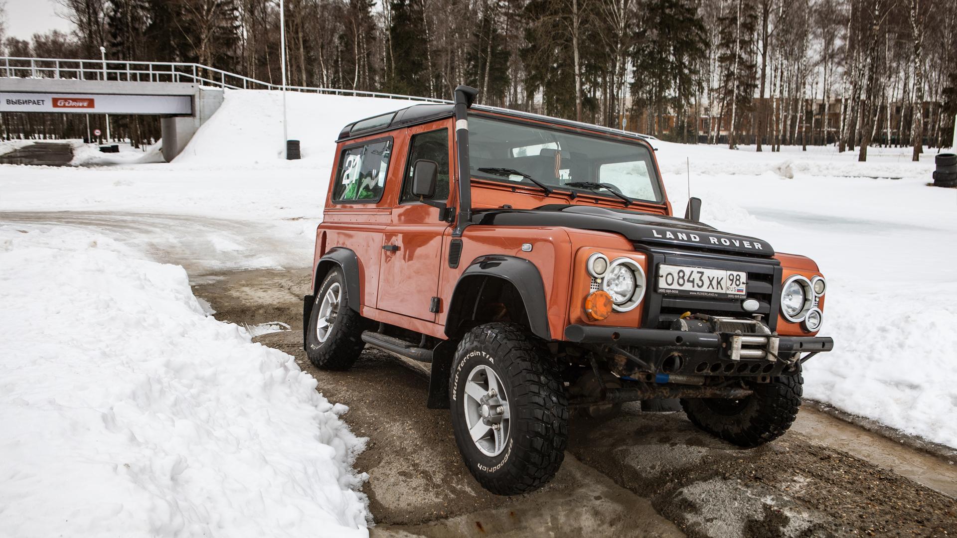Не прощаемся с бессмертным Land Rover Defender  . Фото 7