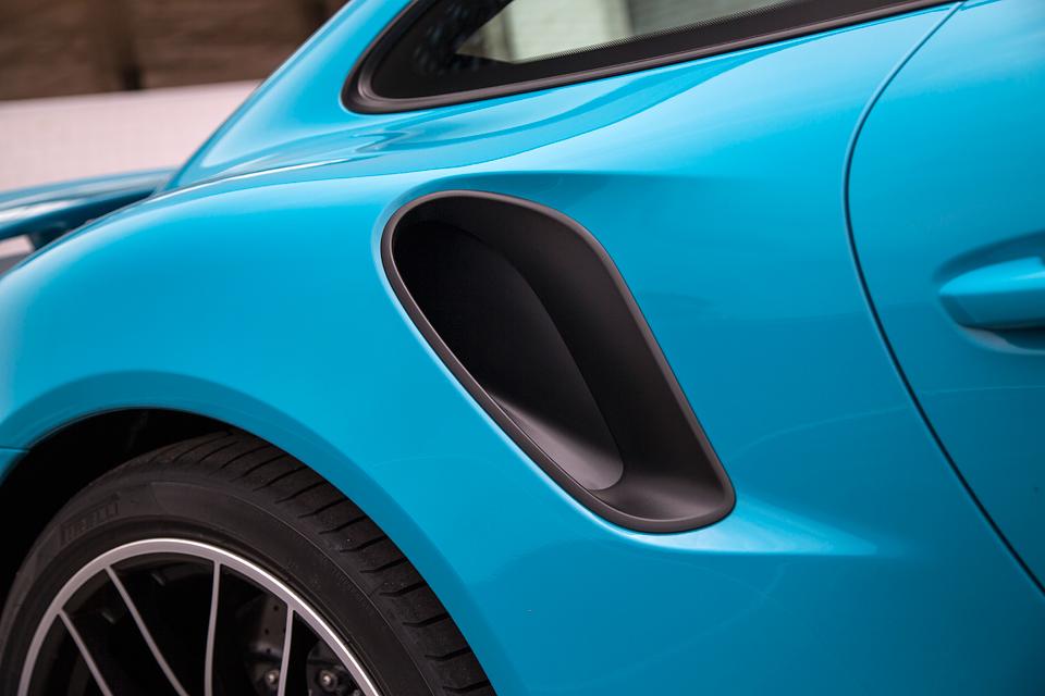 Обман законов физики и плата за совершенство: тест обновленного Porsche 911 Turbo S. Фото 6