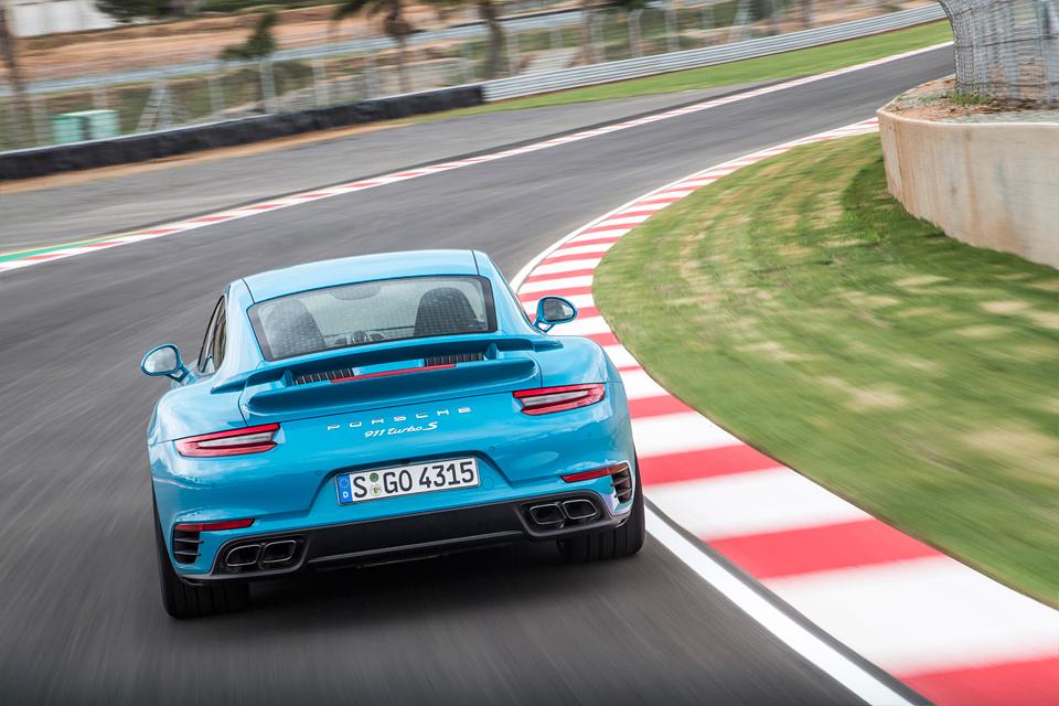 Обман законов физики и плата за совершенство: тест обновленного Porsche 911 Turbo S. Фото 7