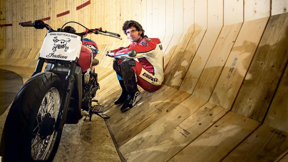 Британский мотоциклист установил рекорд скорости на «Стене смерти»