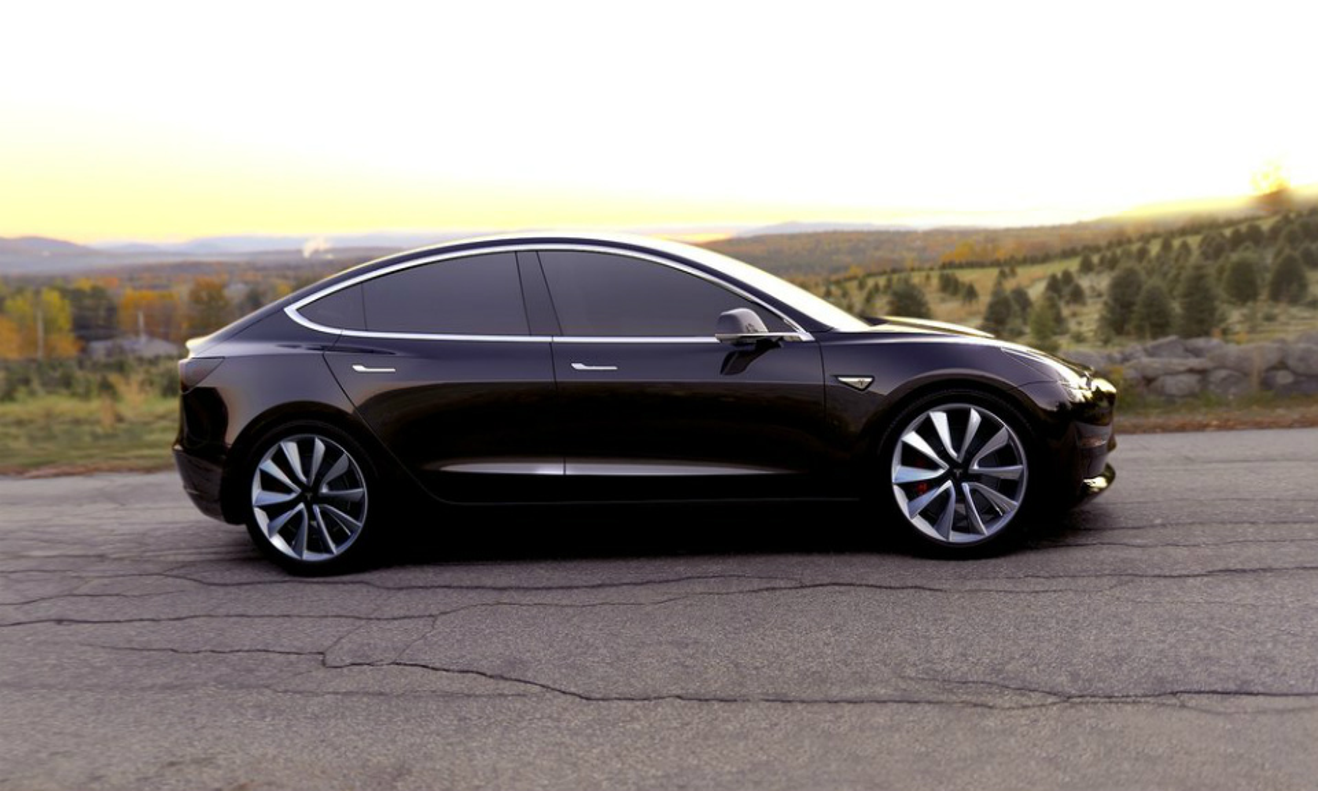 Компания Tesla Motors представила электрокар Model 3