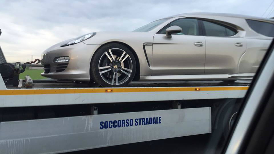 Porsche Panamera превратили в катафалк