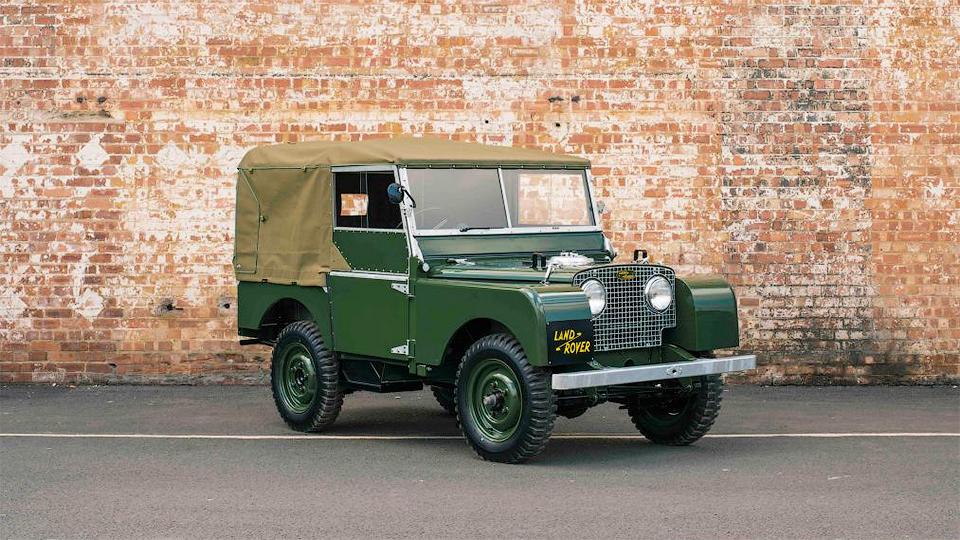 Land Rover выпустит 25 классических «Дефендеров»