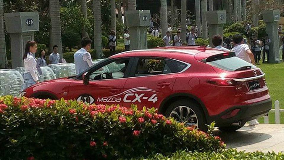 Для Mazda CX-4 предложат два мотора. Фото 1