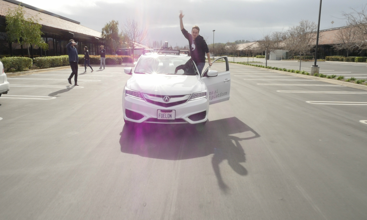 Хакер Geohot собрал Acura ILX с автопилотом в своем гараже. Фото 2