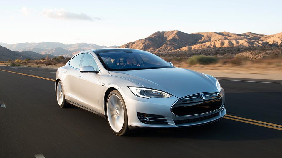 «Тесла» сделает электрокар Model S похожим на Model 3