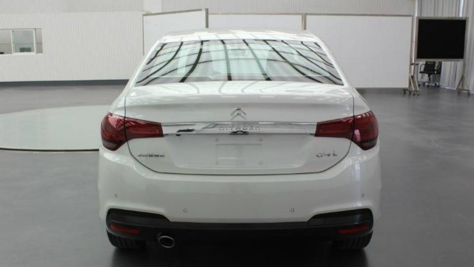Версия для китайского рынка получит новую переднюю часть кузова. Фото 1