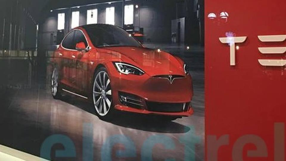 В Сети раскрыли дизайн обновленной Tesla Model S