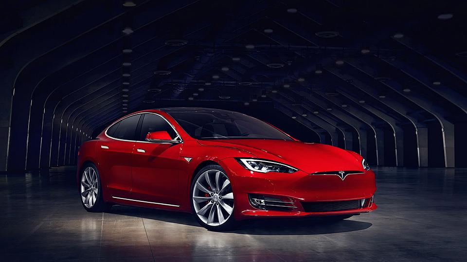 Tesla Model S обновилась