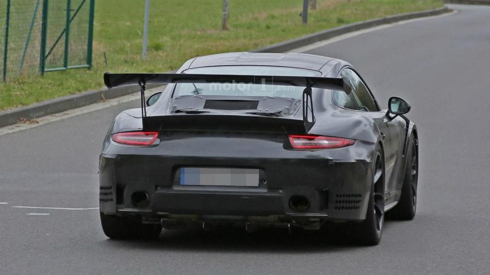 Немцы начали испытания GT3 RS с 4,2-литровым мотором