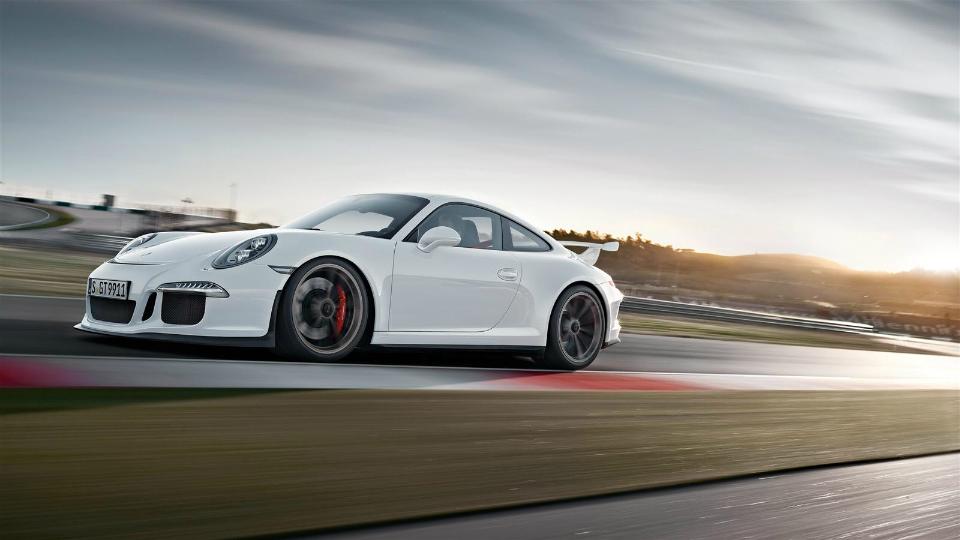 Немцы начали испытания GT3 RS с 4,2-литровым мотором. Фото 2