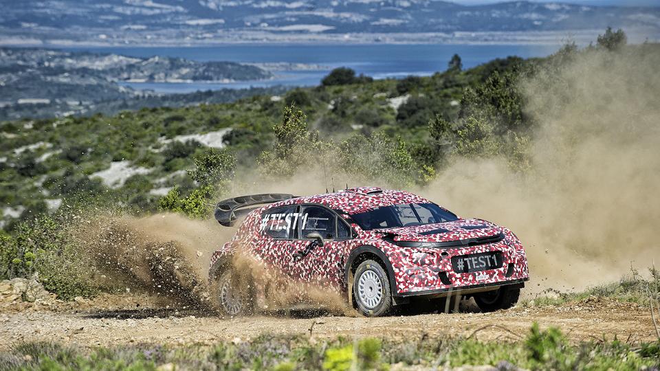 Французская команда провела испытания хэтчбека для чемпионата WRC. Фото 1