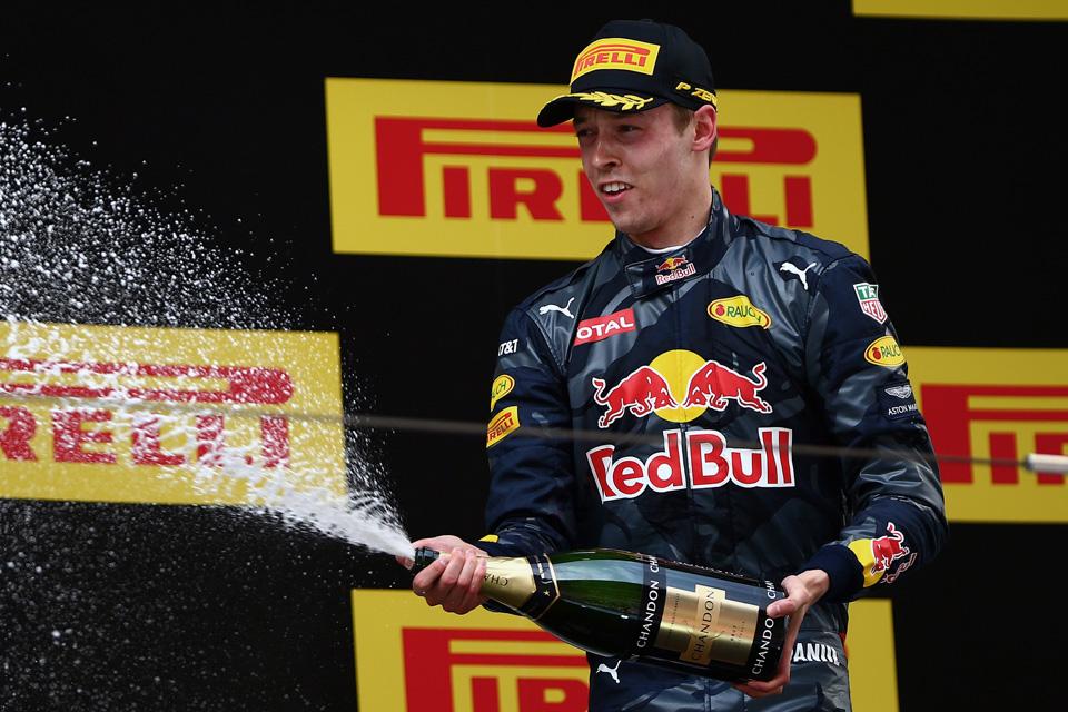 Что произошло на гонке Формулы-1 в Китае. Фото 1