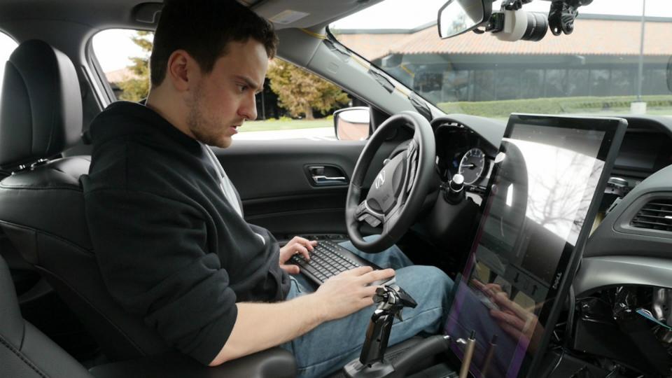 К проекту Comma.ai присоединился ведущий специалист Tesla Motors Риккардо Бьязини. Фото 1