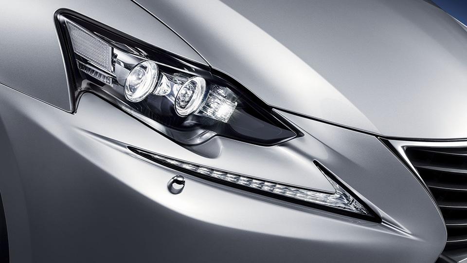 Обновленный Lexus IS представят в Пекине