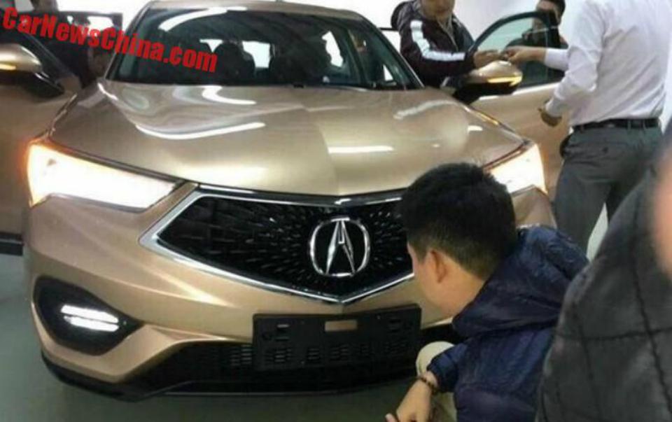 Модель CDX дебютирует на Пекинском автосалоне